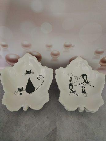 Тарелки в форме кленового листа