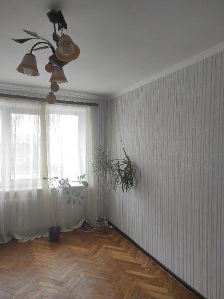 Продам 3-х комнатную квартиру в Святошинском районе.