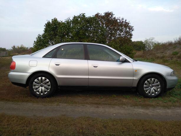 Audi A 4 1.8 1997 год.