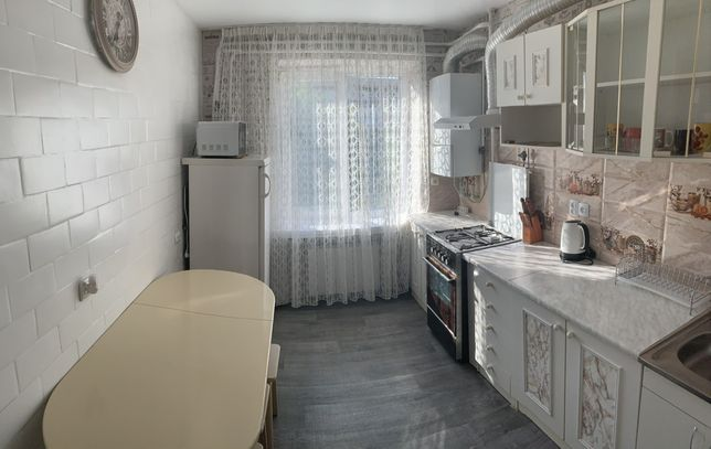 Квартира Сдаєтся 2х комнатна на против термального басейна свободна .