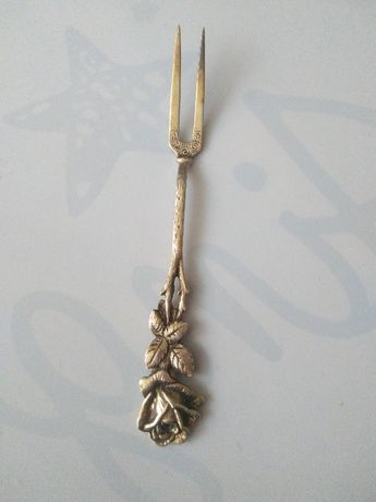 Widelec koktajlowy Ch. Widmann Róża z Hildesheim Niemcy srebro