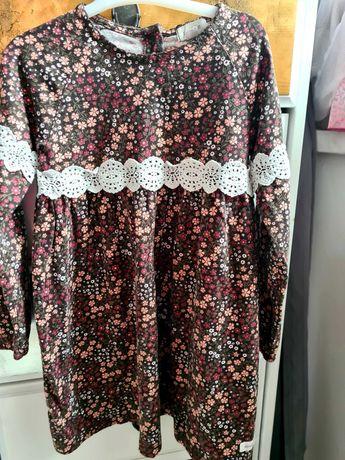 Sukienka 110 brazowa z koronka newbie