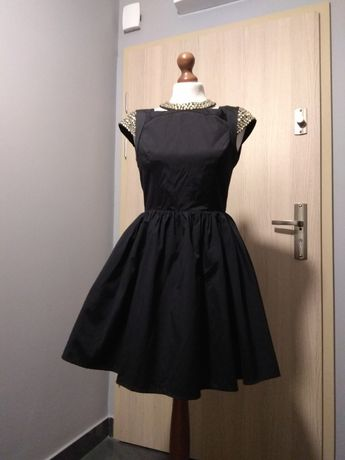 Czarna sukienka ASOS rozmiar 38 wycięte plecy wesele studniówka