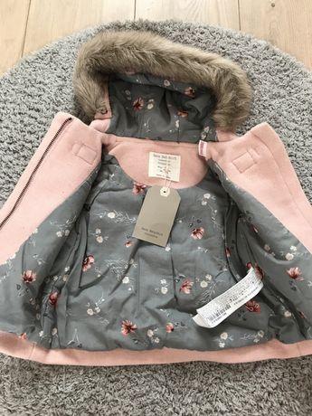 Zara 74 nowy płaszczyk różowy z kapturem budrysówka pudrowy kurtka