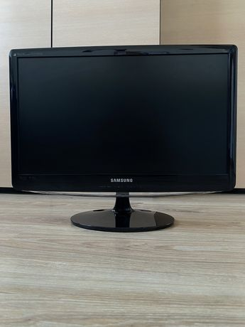 "21,5"" Samsung SyncMaster B2230HD z tunerem TV"