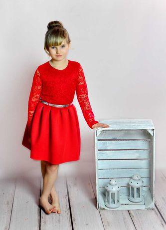 Sukienka Czerwona Koronkowa 92 Długi Rękawek Rozkloszowana