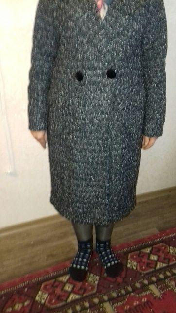 Продам пальто женское демисезонное