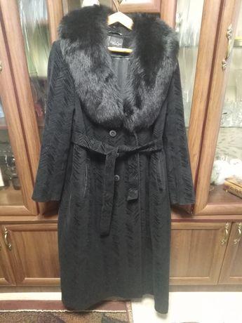 Большого размера женское пальто
