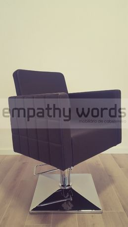 Cadeira de Cabeleireiro - Nova - Fabrica
