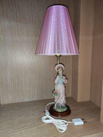 Candeeiro Vintage com Boneca em Porcelana