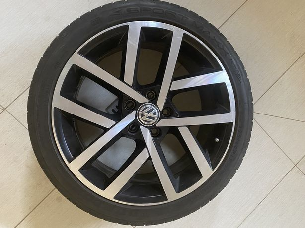 Легкосплавные колеса с низкопрофильной резиной на VW Golf 7