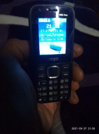 Продам  телефон ergo f118