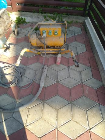 Вібратор для бетону  Bilfinger&Berger