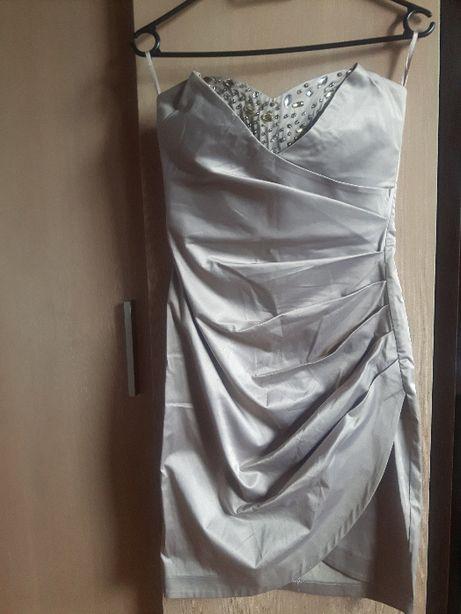sukienka dopasowana sexi ze zdobieniami
