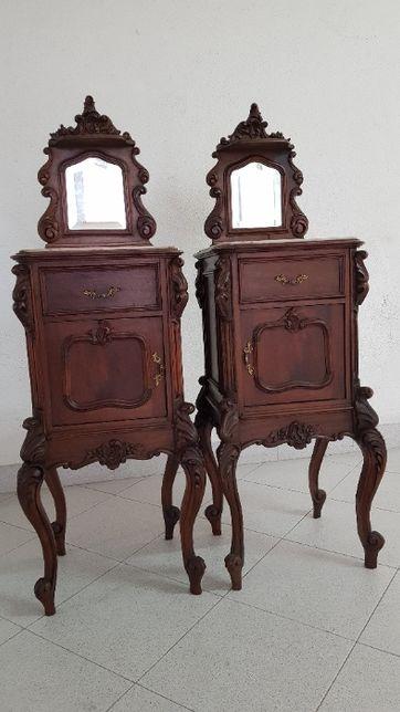 Par de mesas de cabeceira muito antigas c/ tampo em mármore e espelho