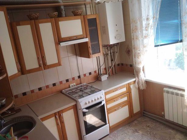 Сдам свою 2-х комнатную квартиру на 10 мкр