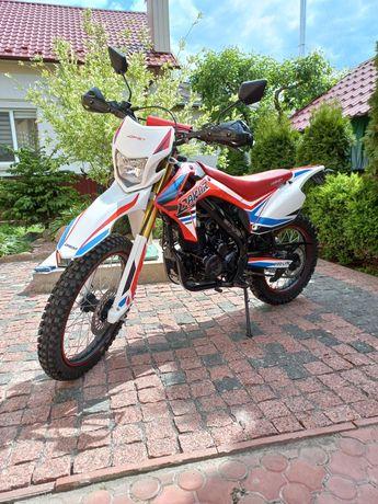 Продам  мотоцикл Hornet Dakar 250