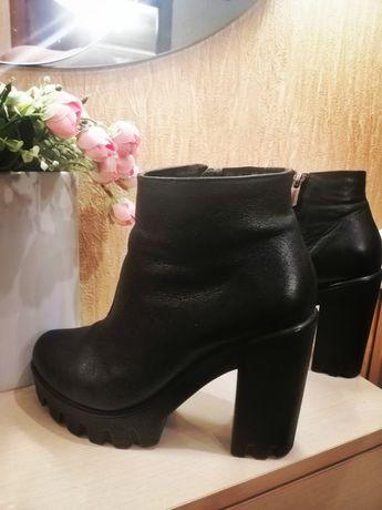 Ботинки настоящая кожа  в идеале
