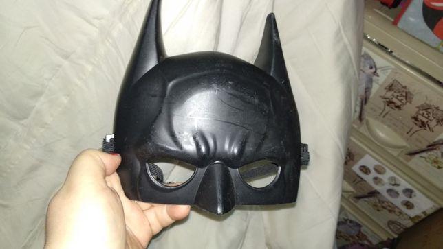мальчику маска супермен черная на лицо отличное качество. пластик
