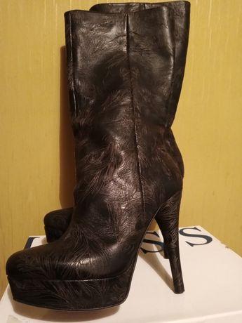 Сапоги ботинки 35р новые кожанные Италия