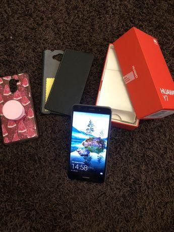 Продам свой телефон Huawei Y7 2017 16GB Grey