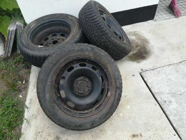 Jantes em ferro com pneus incluidos