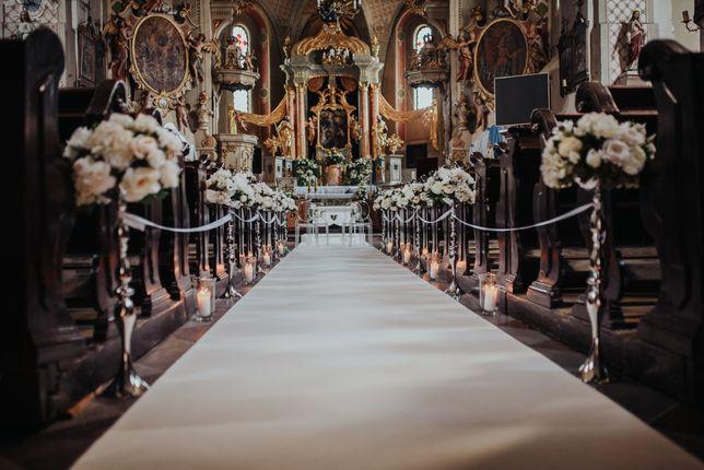 Biały Dywan Dekoracja Kościół Dekoracja Ślubna Kościoła Klęcznik
