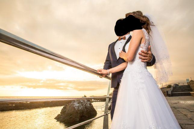Suknia ślubna wzrost około 158cm rozmiar S / 34 z welonem księżniczka