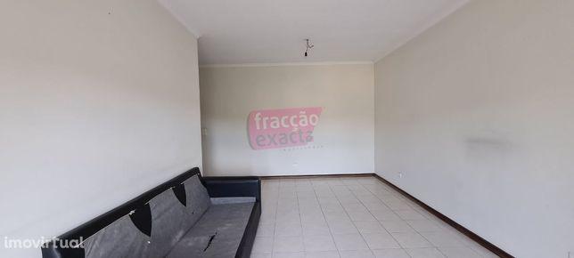 Apartamento T2 | Paços de Brandão | Garagem e Varanda