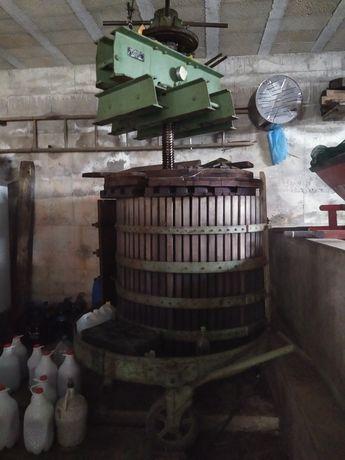 prensa hidráulica de 600 toneladas com macacos
