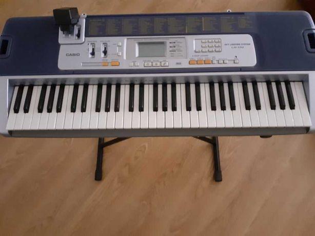 Órgão CASIO LK-110 (c/ tripé)