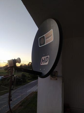 Antena satelitarna z konwektorem i uchwytem