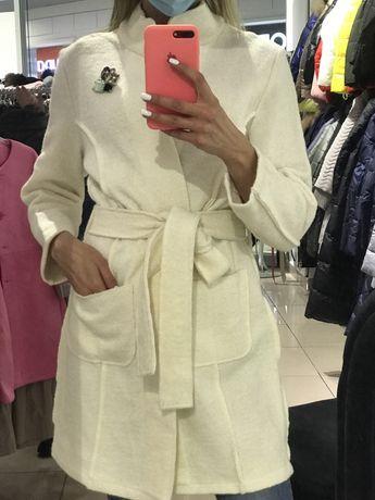 Пальто жіноче нове