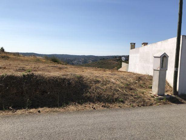 Terreno com 0,248000 (ha) , na entrada da aldeia de Cabeça Gorda