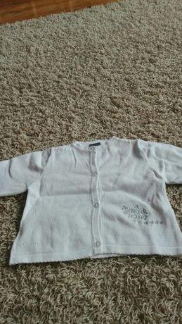 Sweterek biały COCCODRILLO rozmiar 68