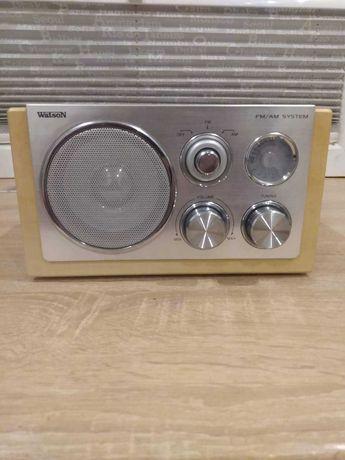 Radio z drewnianą obudową