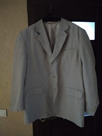 Продам пиджак  ,одет пару раз,как новый