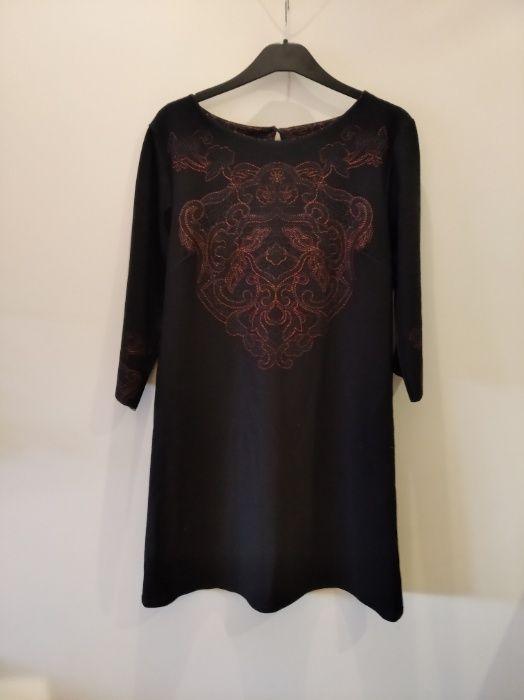sukienka czarna z haftem Radom - image 1