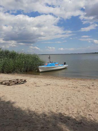 Łódka wędkarska, łódź kabinowa