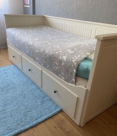 Cama HEMNES IKEA+ 2 colchões