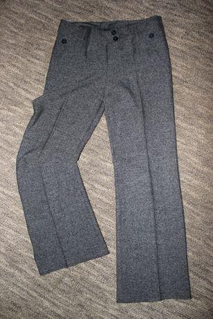 Классические брюки на прохладную погоду