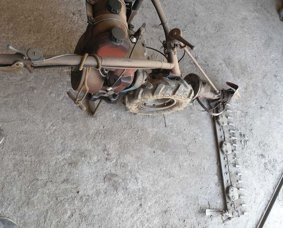 Maquina de cortar Erva