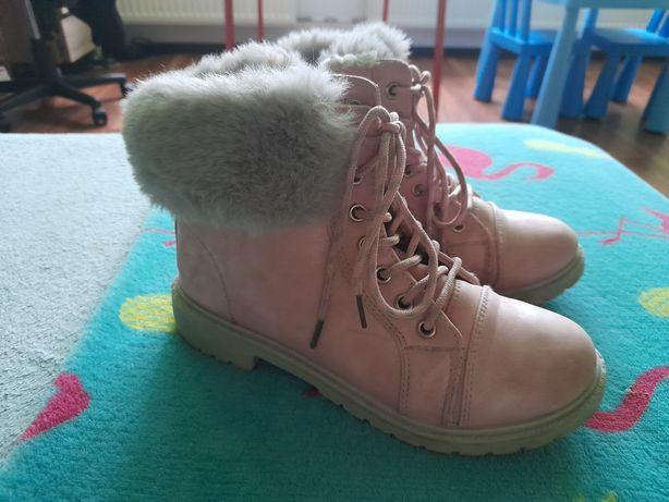 Buty  różowe z szarym  futetkiem