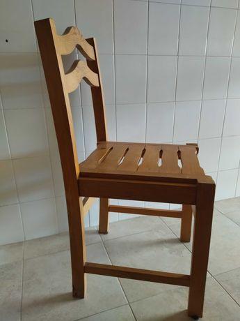4 cadeiras em pinho