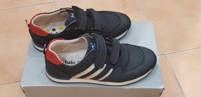 кроссовки ботинки демисезонные Tutubi 37 размер практически новые