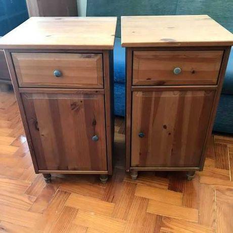 Duas mesas de cabeceira Ikea Hemnes