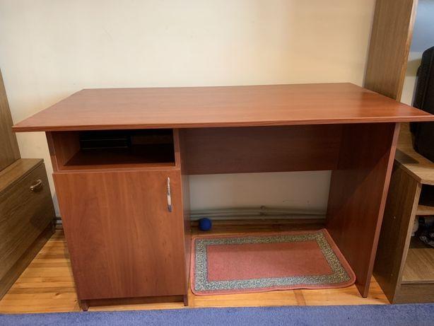 Стіл для навчання чи в офіс