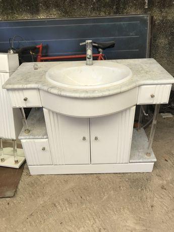 Armario de casa de banho