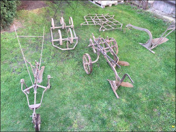 Stare maszyny narzędzia rolnicze