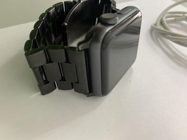 APPLE WATCH series 3  (42mm aluminium case)